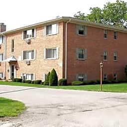 Brockway Court Apartments - Palatine, Illinois 60067