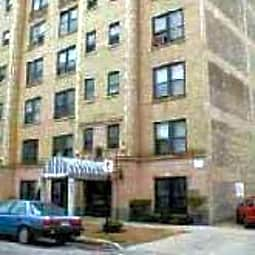 641 West Aldine - Chicago, Illinois 60657
