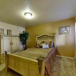 Sequoia Knolls Apartments - Fresno, California 93722
