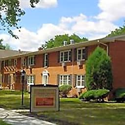 Bainbridge Apartments - Des Plaines, Illinois 60016