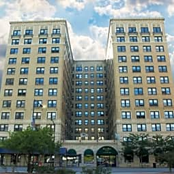 2850 North Sheridan- BJB Properties - Chicago, Illinois 60657