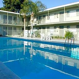 Pacific Garden Apartments - Hawthorne, California 90250