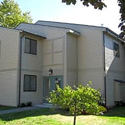 Hidden Brook Apartment Homes - New Bedford, Massachusetts 2740