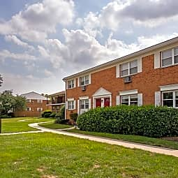 Bristol Apartments - Iselin, New Jersey 8830