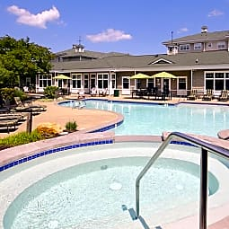 Saltmeadow Bay Apartments and Townhomes - Virginia Beach, Virginia 23451