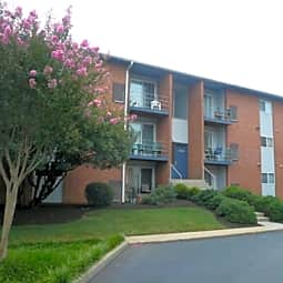 Rock Creek Apartments - Richmond, Virginia 23224