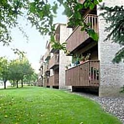 Cedar Pointe Apartments - Bloomington, Minnesota 55425