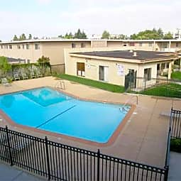 Jackson Arms Apartments - Hayward, California 94544