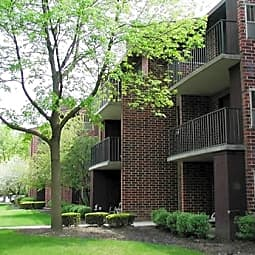 Fox Grove Apartments - Roselle, Illinois 60172