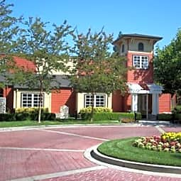 Springhouse Apartments - Pleasanton, California 94588