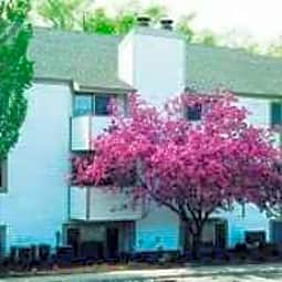 The Grove Apartments - Peoria, Illinois 61614