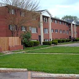 Williamsburg Place Apartments - Middletown, Ohio 45044