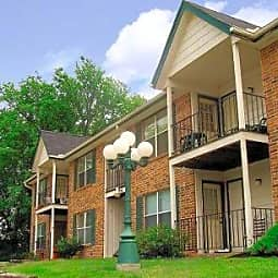 Devling Place Apartments - Kansas City, Missouri 64117