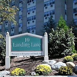10 Landing Lane - New Brunswick, New Jersey 8901