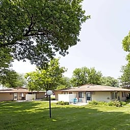 Triple Crown Apartments - Altoona, Iowa 50009