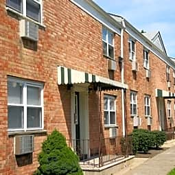 114-120 Montgomery Street Apartments - Bloomfield, New Jersey 7003