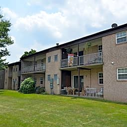 Springetts Apartments - York, Pennsylvania 17402