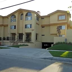 Holliston Apartments - Pasadena, California 91106