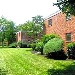 Eagle Rock Apartments At Hicksville/Jericho - Hicksville, New York 11801