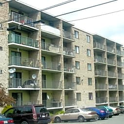 Parkwood Drive Apartments - Malden, Massachusetts 2148