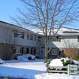 Honeysuckle Apartments - Hartford, Wisconsin 53027