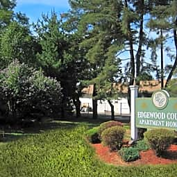 Edgewood Court - Chicopee, Massachusetts 1020