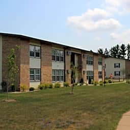 Woodfield Circle Apartments - Wausau, Wisconsin 54401