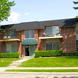 Amber's Mansfield Apartments - Royal Oak, Michigan 48073