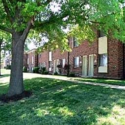 Yorktowne Apartments and Townhomes - Saint Louis, Missouri 63129