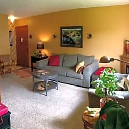 Thomasville Apartments - White Bear Lake, Minnesota 55110