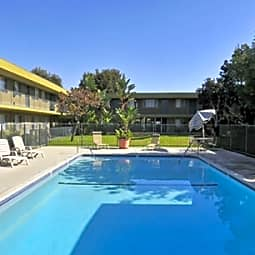 Country Woods Apartments - Long Beach, California 90807