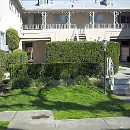 249-289 Amber Court - Upland, California 91786