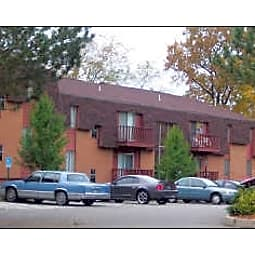 Briarcliff Manor - Wheeling, West Virginia 26003