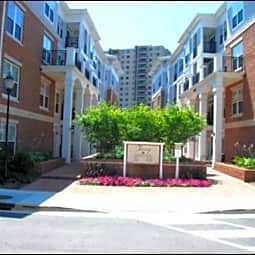 Tuscany Apartments, The - Alexandria, Virginia 22304