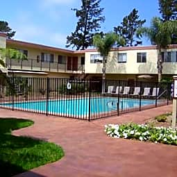 Monte Vista Townhomes - Ventura, California 93004