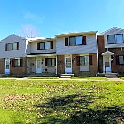 Parkway Manor Apartments - Rochester, New York 14621