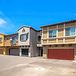 Alta Ravenwood Townhomes With Attached Garage - Tempe, Arizona 85283