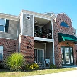 Creekside Apartments - Muncie, Indiana 47303