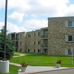 Richland Court - Richfield, Minnesota 55423