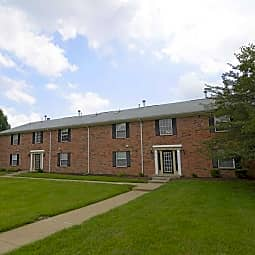 Ashley Pointe Apartments of Evansville - Evansville, Indiana 47715