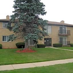 Royal Hill Apartments - Warren, Michigan 48091