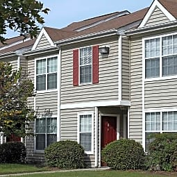 Pinetree Apartments - Petersburg, Virginia 23803