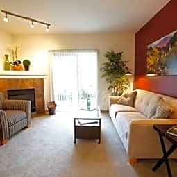 Sunfield Lakes Apartments - Sherwood, Oregon 97140