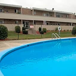 Sutton Place Apartments - Agawam, Massachusetts 1001
