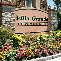 Villa Grande Townhome Apartments - Reseda, California 91335