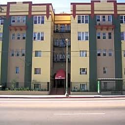 Silver Lake Towers - Los Angeles, California 90026