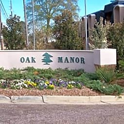 Oak Manor Apartments - Meridian, Mississippi 39305