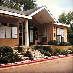 Royal Oaks Gardens Apartments - Bryan, Texas 77802