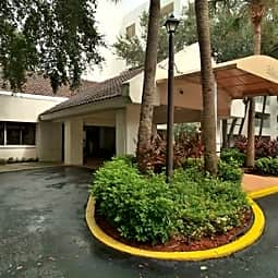 Belleair Towers Independent Retirement Living - Clearwater, Florida 33756