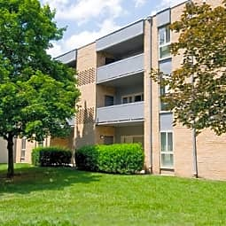 Stoneridge Apartments - Alexandria, Virginia 22311